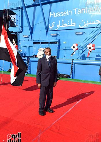 رئيس الوزراء يشهد مراسم رفع العلم على الكراكة حسين طنطاوي (15)