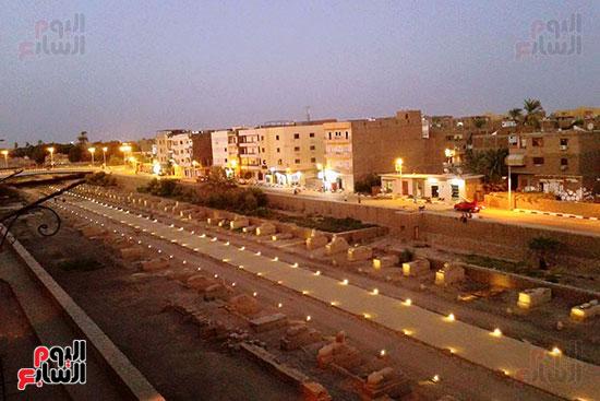 صورة من الاعلى لطريق الكباش قبل افتتاحه