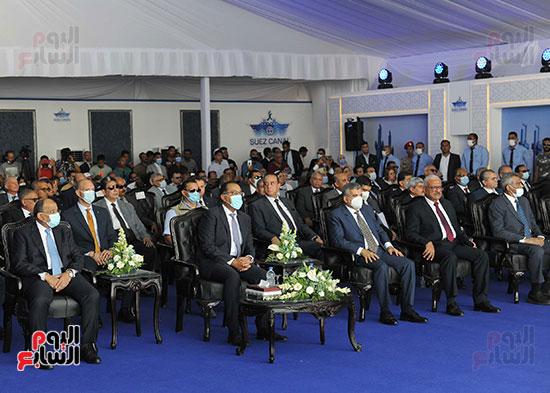 رئيس الوزراء يشهد مراسم رفع العلم على الكراكة حسين طنطاوي (26)