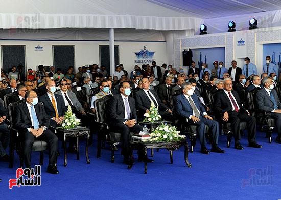 رئيس الوزراء يشهد مراسم رفع العلم على الكراكة حسين طنطاوي (27)