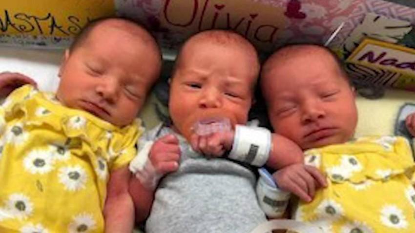 Three identical twins are born in a rare case (2)