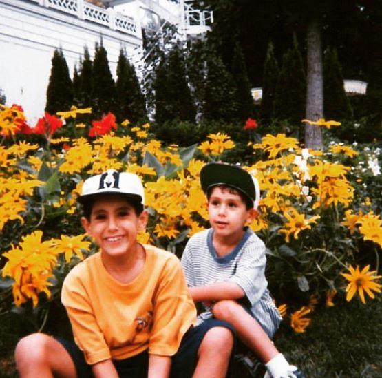 نايل في طفولته