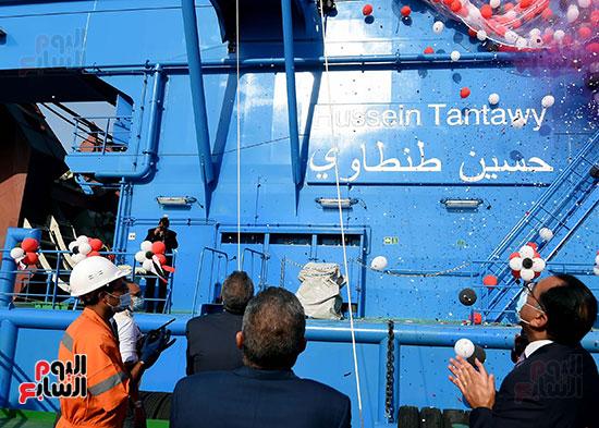 رئيس الوزراء يشهد مراسم رفع العلم على الكراكة حسين طنطاوي (16)