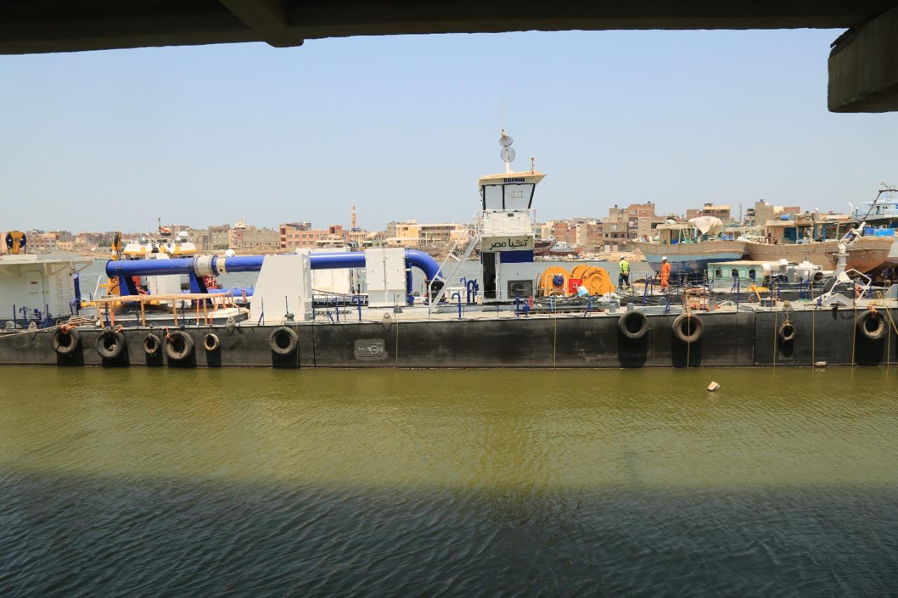السفينة في  بحيرة البرلس