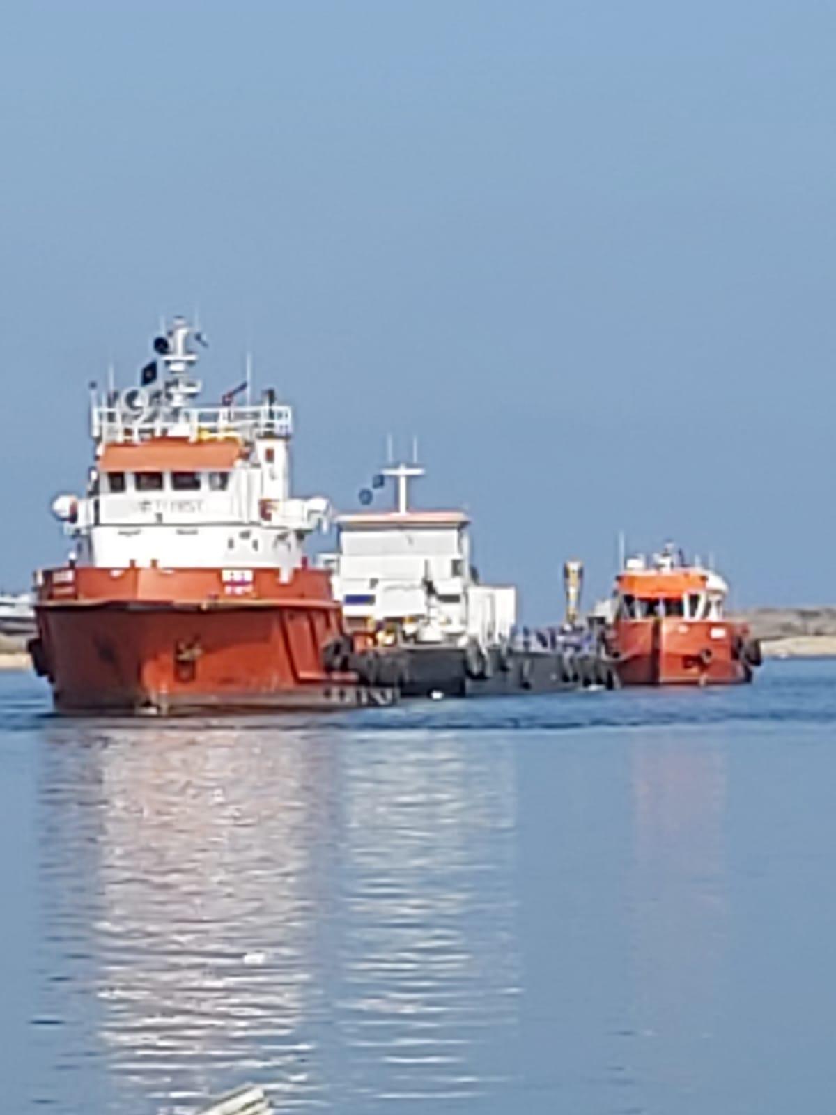 السفينة التي تحمل الكراكة
