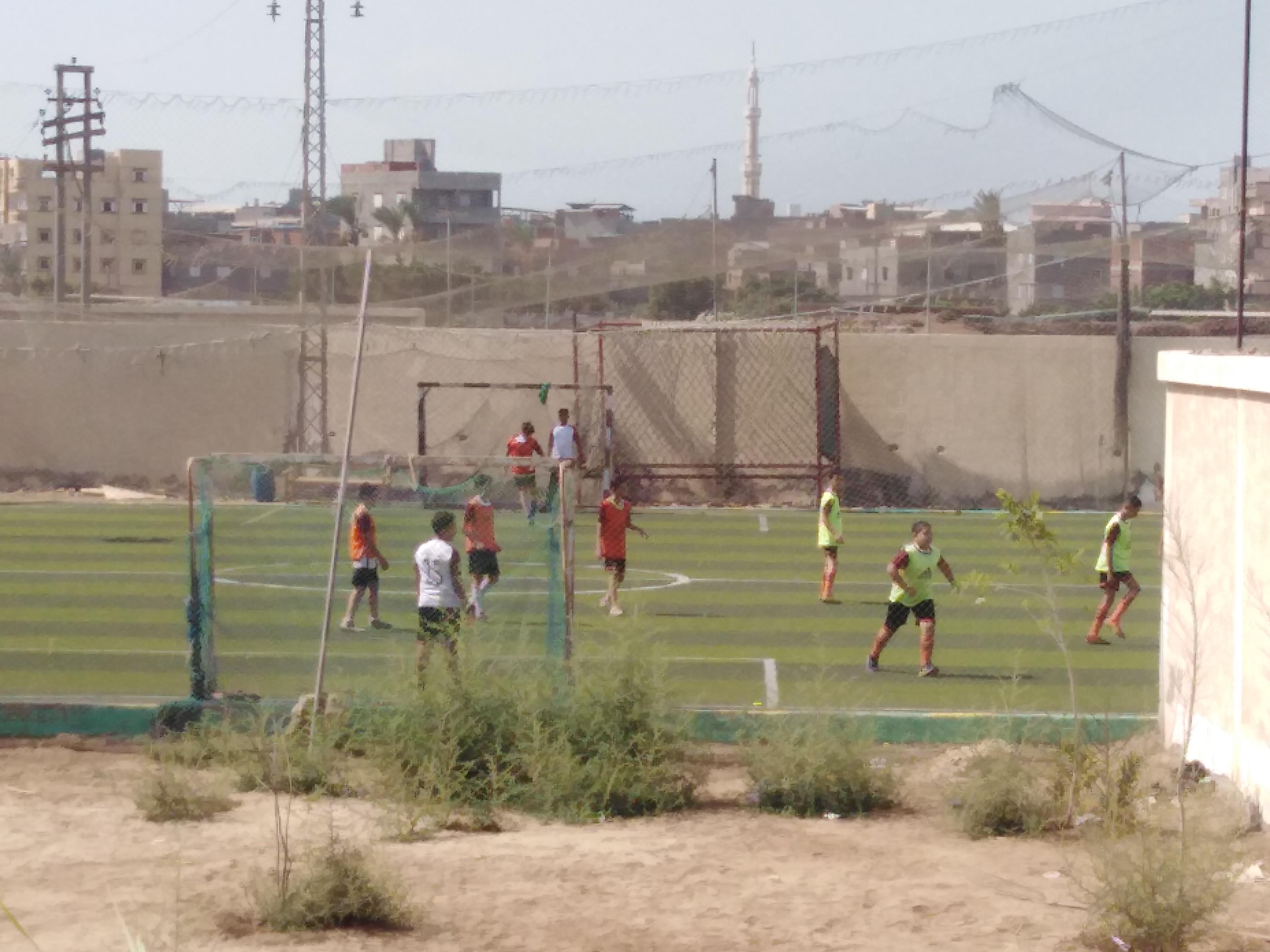 لعب كرة القدم بمراكز الشباب بدمياط (2)