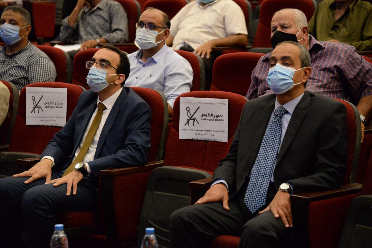 محافظ الاسماعيلية بجلسة المؤتمر