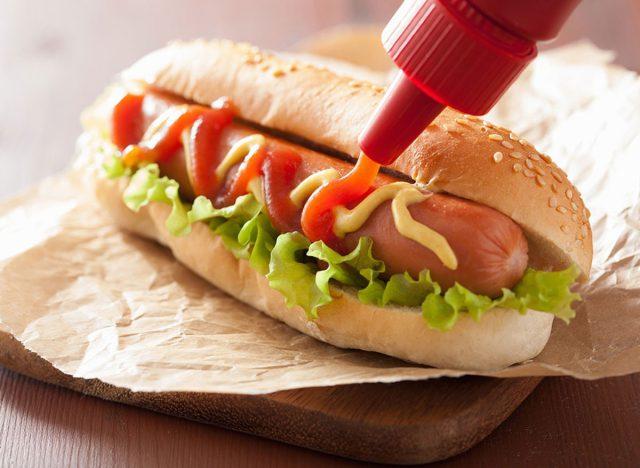 ketchup-hot-dog