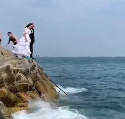 The newlyweds before the jump