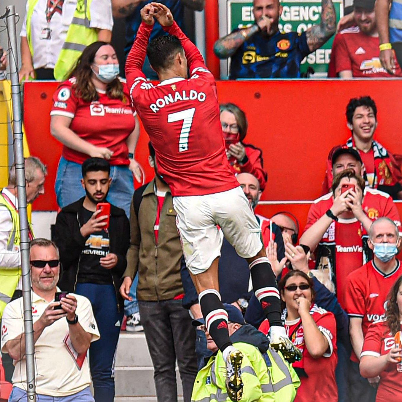Ronaldo's famous celebration returns to Old Trafford
