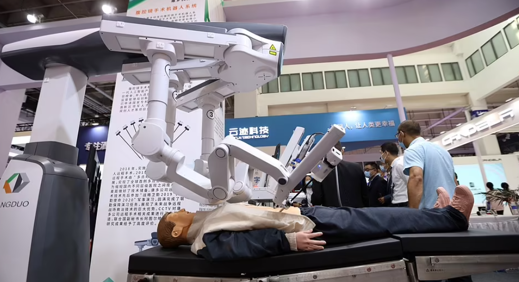 A robot capable of performing medical surgery