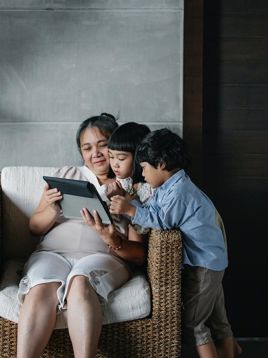 السن المناسب لترك الأطفال يستخدمون السوشيال ميديا (4)