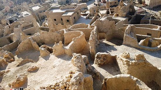 مباني قلعة شالي وبعضها يسكنه الأهالي حتى اليوم