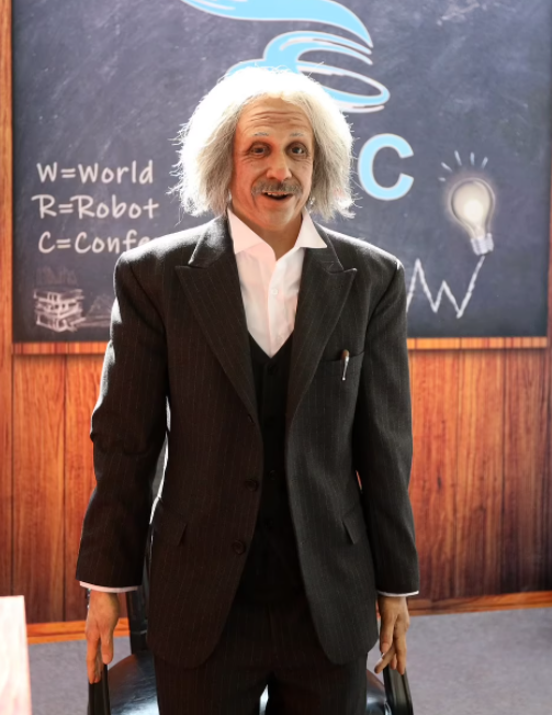 Einstein-like robot