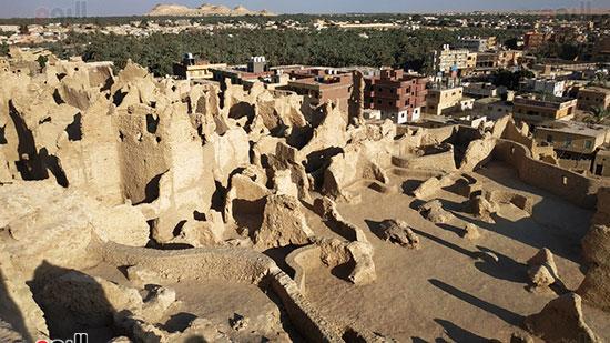 شالي الاثرية مقامة اعلى جبل وسط واحة سيوة