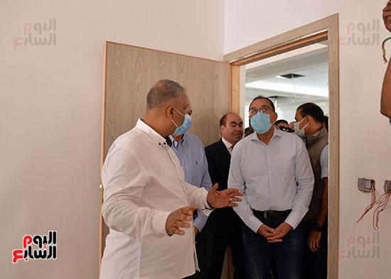 الدكتور مصطفى مدبولى رئيس الوزراء يتفقد قرى مركز شيبين القناطر (22)