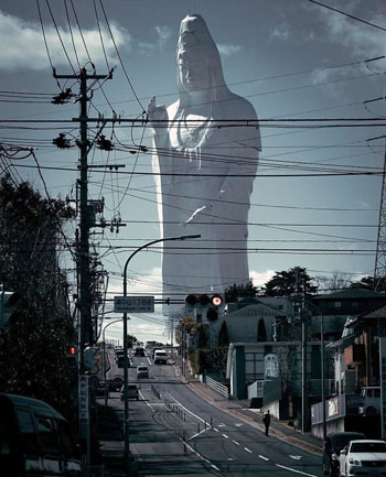 سينداي دايكانون ، أحد أطول التماثيل في العالم