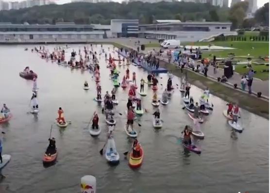 Boat Festival by the Hundreds