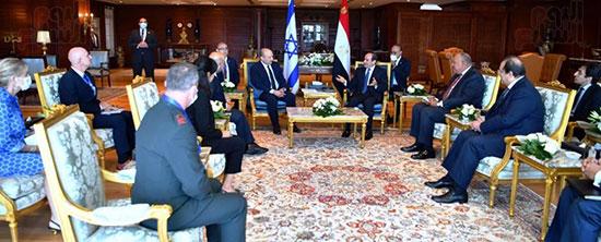 لقاء الرئيس عبد الفتاح السيسى ورئيس وزراء اسرائيل (4)