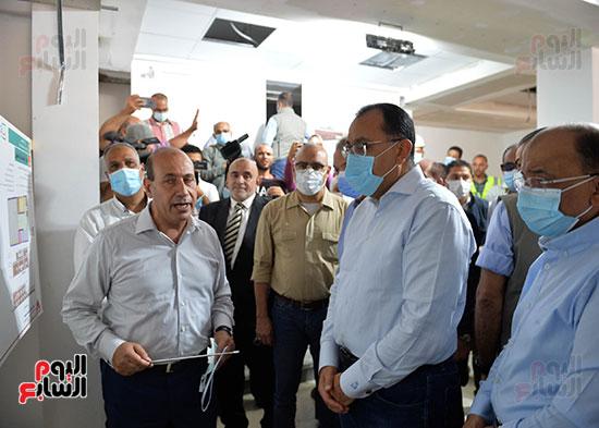 الدكتور مصطفى مدبولى رئيس الوزراء يتفقد قرى مركز شيبين القناطر (19)