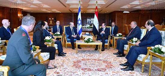 لقاء الرئيس عبد الفتاح السيسى ورئيس وزراء اسرائيل (3)