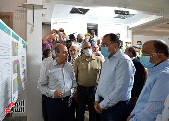 الدكتور مصطفى مدبولى رئيس الوزراء يتفقد قرى مركز شيبين القناطر (20)