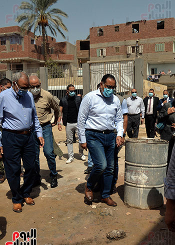 الدكتور مصطفى مدبولى رئيس الوزراء يتفقد قرى مركز شيبين القناطر (16)