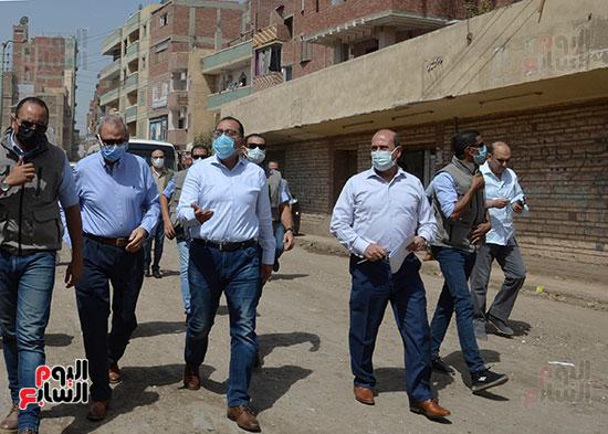 الدكتور مصطفى مدبولى رئيس الوزراء يتفقد قرى مركز شيبين القناطر (11)