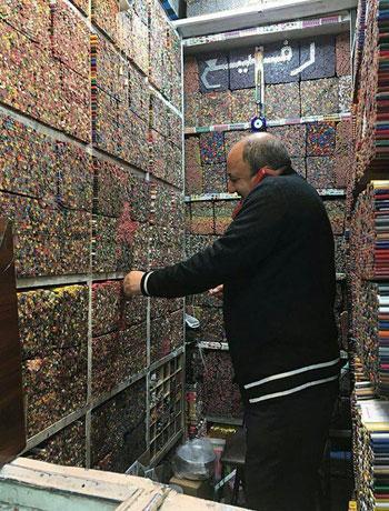 متجر أقلام رصاص فى إيران