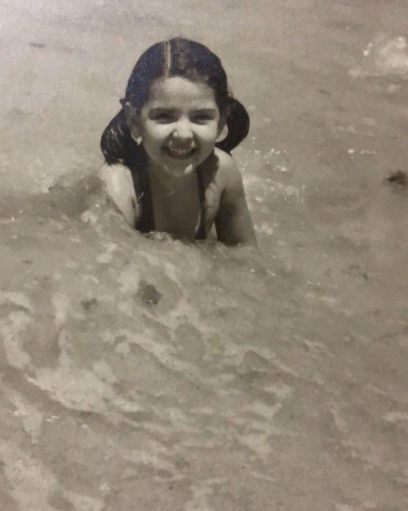 ليلى فى مياه بحر الإسكندرية