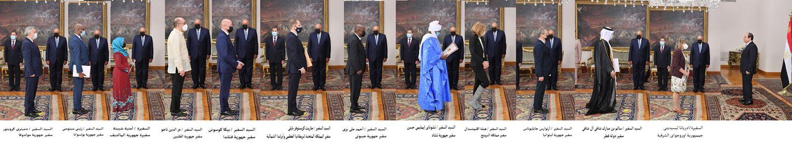 الرئيس السيسي يتسلم أوراق اعتماد أربعة وعشرين سفيرًا جديداً (1)