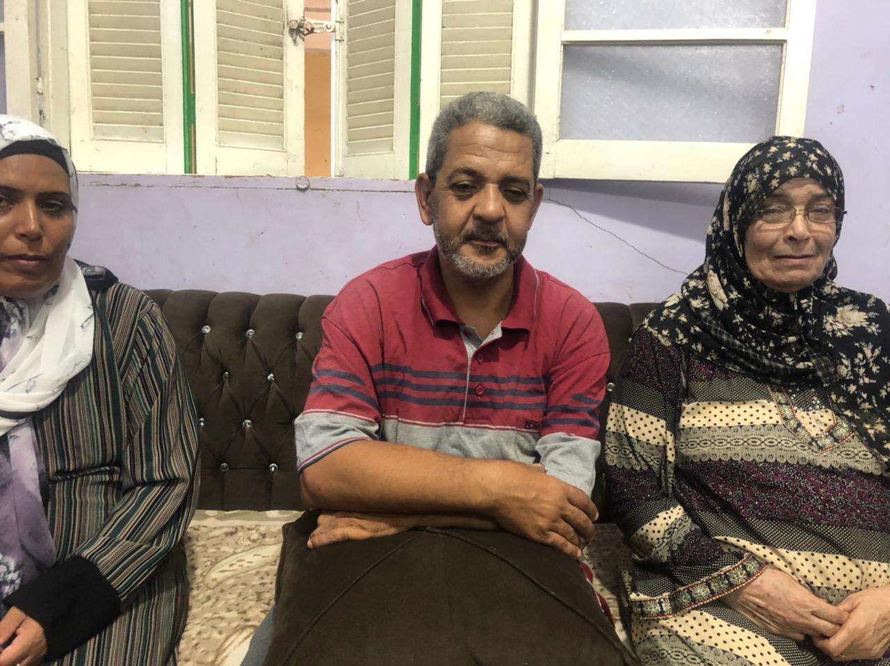 والدة مريم فوجئنا بغيابها عن المنزل وإعادة الشرطة لها من القاهرة