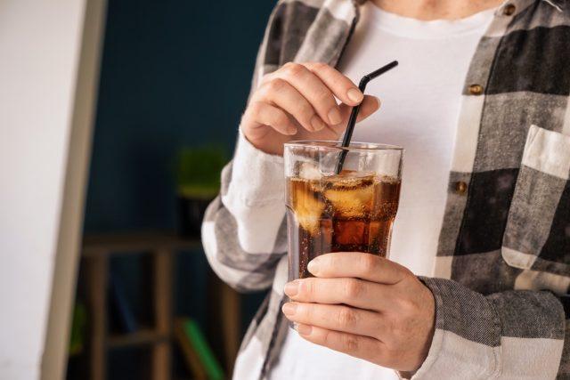 woman-drinking-soda