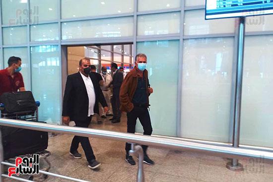 البرتغالى كيروش يصل القاهرة لبدء مهمته مع منتخب مصر    (7)