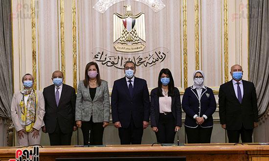 رئيس الوزراء يشهد توقيع الاتفاقية الوزارية لتنفيذ مشروع إدارة تلوث الهواء (4)