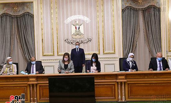 رئيس الوزراء يشهد توقيع الاتفاقية الوزارية لتنفيذ مشروع إدارة تلوث الهواء (3)