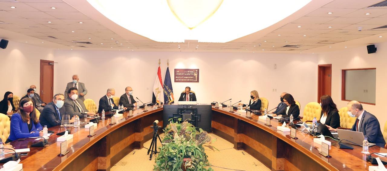 وزير الاتصالات عمرو طلعت يشهد توقيع