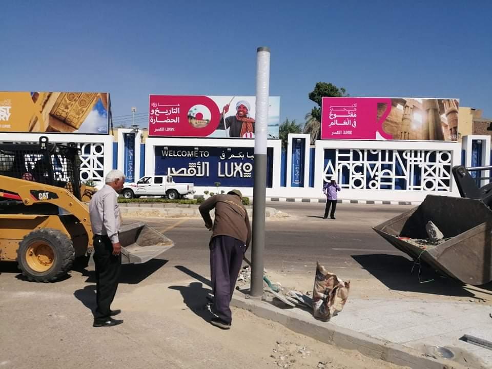 أعمال تجميل بشوارع الأقصر استعدادا لافتتاح مشروع إحياء طريق الكباش.. صور