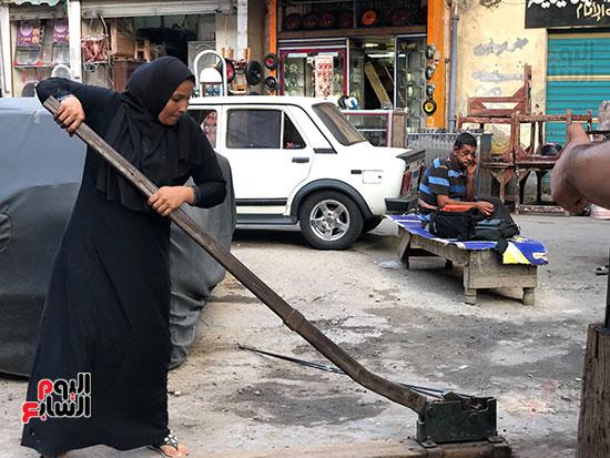 أشهر حدادة بمصر بعد استجابة الرئيس لها: أشعر بفخر شديد وهكمل كفاح.. فيديو