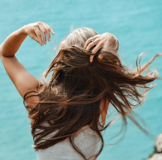 Common Habits That Cause Hair Loss (3)
