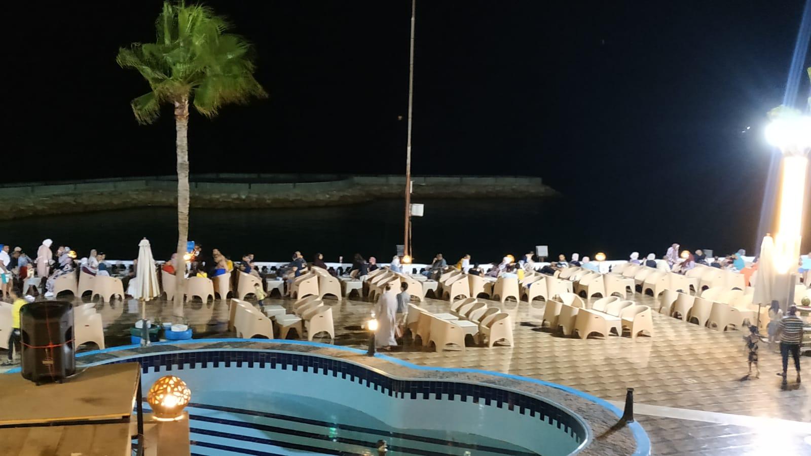 مطروح تواصل جذب عشاقها بالطقس الرائع والأجواء الليلية على الكورنيش (9)