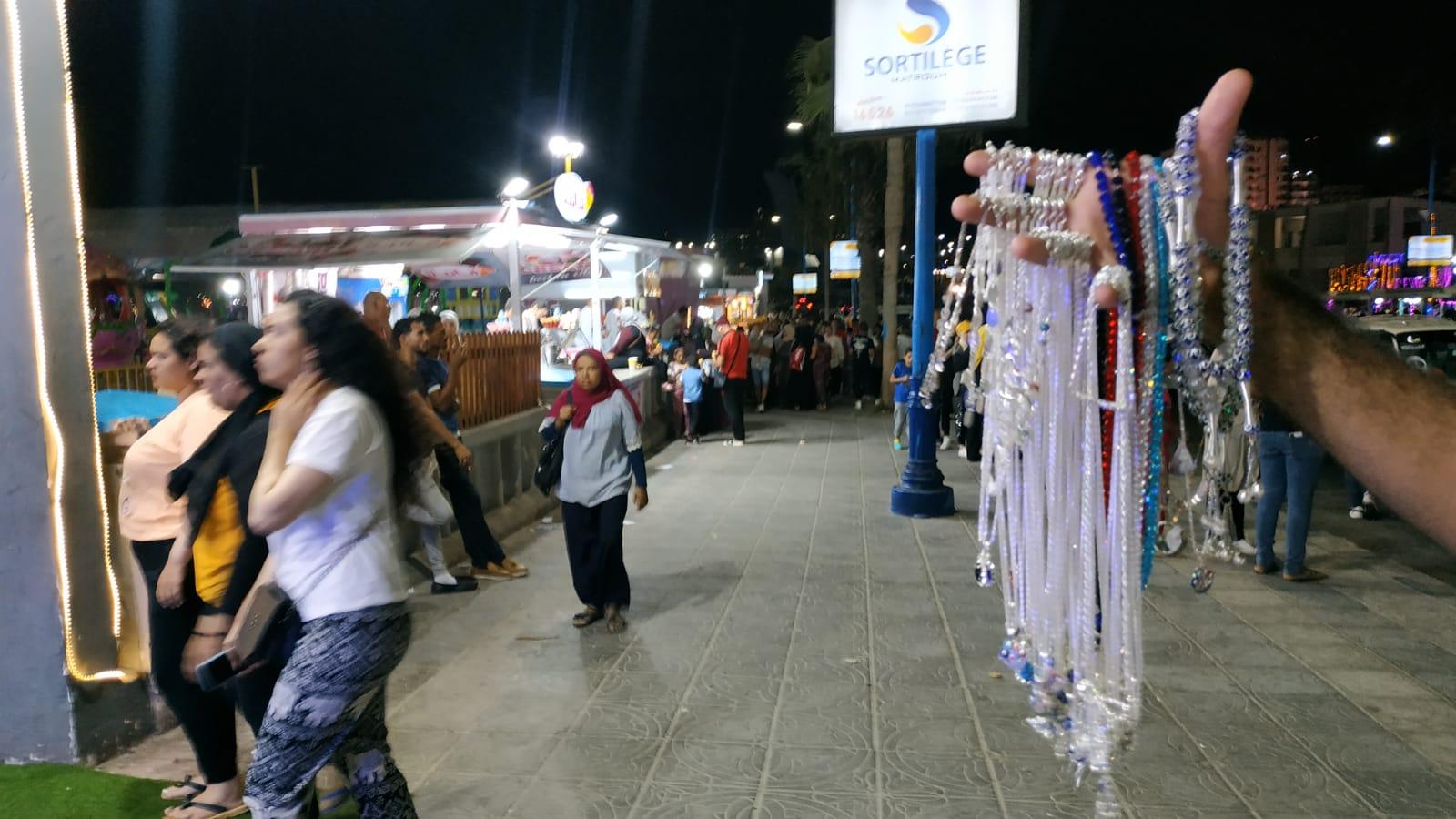 مطروح تواصل جذب عشاقها بالطقس الرائع والأجواء الليلية على الكورنيش (7)