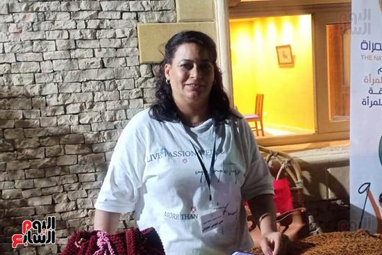 شاهد إنتاج ذوى الهمم بمعرض المنتجات اليدوية المقام فى الإسكندرية (2)