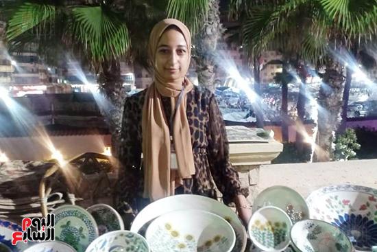 شاهد إنتاج ذوى الهمم بمعرض المنتجات اليدوية المقام فى الإسكندرية (6)