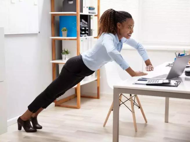 مارس حركات منتظمة أثناء ساعات العمل