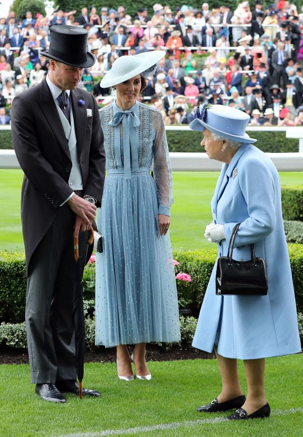 Kate is coordinating her outfit with the Queen