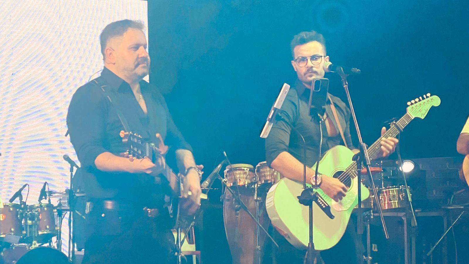 إدوارد وفريقه جيبسي يحيان حفل غنائي في شرم الشيخ (5)