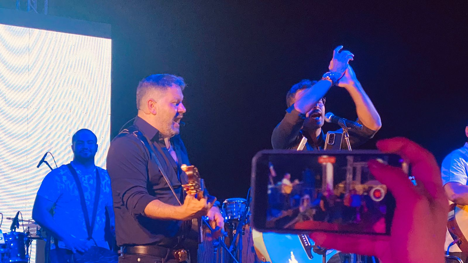 إدوارد وفريقه جيبسي يحيان حفل غنائي في شرم الشيخ (6)