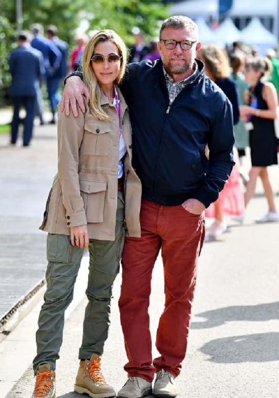 المخرج وزوجته