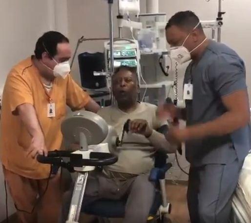 Pele inside the hospital
